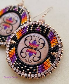 Excellent Absolutely Free beautiful Beadwork Style Bond worry can create a massive impact on how your necklaces looks. No-one wishes to expend a long time bead- Beaded Earrings Native, Beaded Earrings Patterns, Native Beadwork, Seed Bead Earrings, Round Earrings, Diy Earrings, Beaded Jewelry, Beaded Bracelets, Silver Jewelry