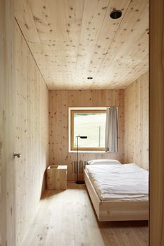 Home Decor Diy Florins Residence Switzerland by Philipp Baumhauer Architects.Home Decor Diy Florins Residence Switzerland by Philipp Baumhauer Architects Ad Architectural Digest, Plywood Interior, Casas Containers, Wood Interiors, House In The Woods, Traditional House, Cheap Home Decor, Home Remodeling, Interior Architecture