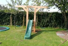 Backyard for kids, Backyard play, Play area backyard, Backyard swings, Diy playg. Backyard for kid Backyard Playset, Backyard Swings, Backyard For Kids, Backyard Projects, Outdoor Projects, Backyard Patio, Backyard Landscaping, Pergola Swing, Landscaping Ideas