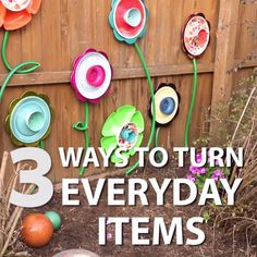 Amazing Outdoor Walls and Fences 3 Ways to Turn Everyday Items Into Garden Awesomeness Outdoor Art, Outdoor Walls, Outdoor Gardens, Outdoor Living, Garden Crafts, Garden Projects, Garden Art, Yard Art Crafts, Garden Walls