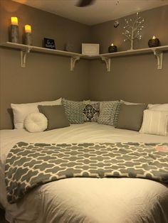 Bedroom Layouts, Room Ideas Bedroom, Small Room Bedroom, Child's Room, Modern Bedroom, Bedroom Corner, Corner Headboard, Diy Bedroom, Master Bedroom