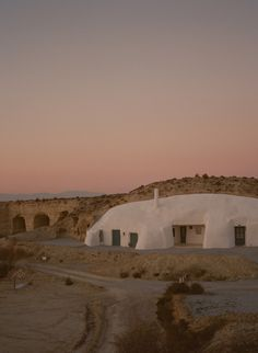 via Cave House, Baza, Spain . Places To Travel, Places To See, Places Around The World, Around The Worlds, Beautiful World, Beautiful Places, Wanderlust, New Wall, Plein Air