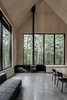 Vide, multiplex binnen + kachel voor kozijn  Chalet Grand-Pic by Appareil Architecture