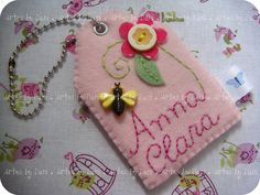 cHaVeiRo.....Felt name tag with embroidery and buttons