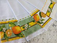 Kit 7 panos prato combinados frutinhas no Elo7 | Jô Arte e Variedades (D01D1A) Dish Towels, Sewing Projects, Napkins, Patches, Bottle Cap Crafts, Fabric Dolls, Diy And Crafts, Orange Dinner Plates, Gingham