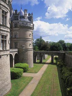 Le Lude, grand château de la Loire au carrefour du Maine et de la Touraine