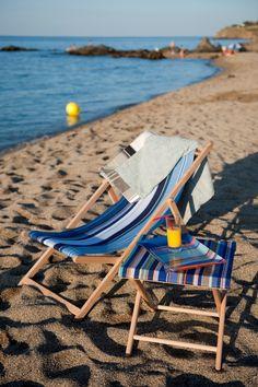 blue on the beach – Armchair Ideas French Summer, Ethnic Chic, Outdoor Furniture, Outdoor Decor, Sun Lounger, Seaside, Beach Mat, Summertime, Armchair