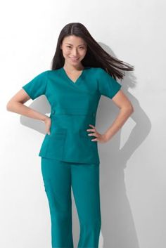 Hmm what color is this? Green Scrubs, Classy Work Outfits, Nurse Costume, Medical Scrubs, Womens Fashion For Work, Fashion Prints, Peplum Dress, Clothes For Women, Nurses