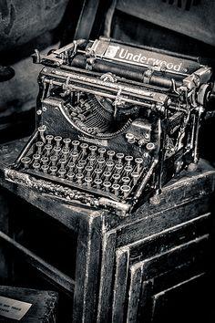 Vintage Typewriter. Curriculum Vitae   Creative Resume, Professional  Resume, Resume Format, Simple Resume, Student Resume, Resume Icons,  Infographiu2026