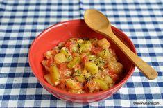dovlecei scazuti cu rosii si usturoi Romanian Food, Romanian Recipes, Atkins, Potato Salad, Zucchini, Bacon, Potatoes, Food And Drink, Ethnic Recipes