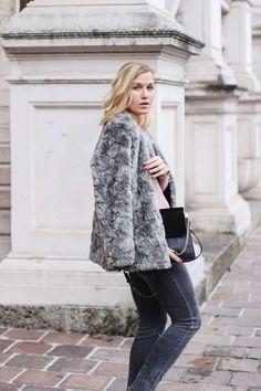 tifmys – Fake fur jacket and body: H&M | Jeans: Cheap Monday | Chain boots: Zara | Bag: Chloé Faye | Fishnet socks: Asos
