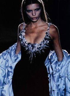 80s-90s-supermodels:Thierry Mugler A/W 1998/'99Model : Esther Canadas Happy birthday, Esther! (March 1, 1977, 38 today)