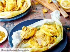 Recette Papillote de poulet à la marocaine. Ingrédients (4 personnes) : 4 blancs de poulets, 4 cuil. à soupe d'huile d'olive, 2 citrons jaunes bio... - Découvrez toutes nos idées de repas et recettes sur Cuisine Actuelle Moroccan Chicken, Cooking Recipes, Healthy Recipes, Healthy Food, Ramadan Recipes, Moroccan Style, Lemon Chicken, Food Plating, Quick Easy Meals