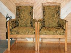Quatralan kammarin vanhat tuolit, jotka entisöi Tuikku (Tuija Miettinen)