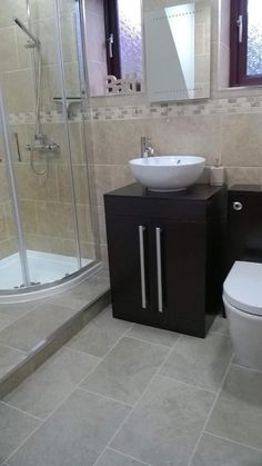 Lynn from Norwich uses contrasting black and white bathroom furniture with a lovely counter top basin to get a contemporary bathroom style. #VPShareYourStyle