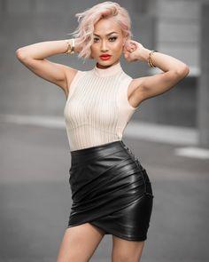 Top & skirt from 🙆🏼 News Fashion, Fashion Models, Fashion Outfits, Womens Fashion, Black Leather Mini Skirt, Leather Skirt, Micah Gianneli, Leder Outfits, Girls In Mini Skirts