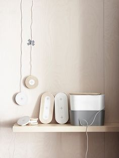 With the goal of making disappear the anaesthetic cables used to charge mobile devices – such as smartphones and tablets –, Ikea developed a new furniture collection that integrates wireless chargers. The collection Home Smart fo Mobiles, Ikea New, Smartphone, Ikea Home, Interior Design Magazine, Scandinavian Home, Ikea Furniture, Furniture Collection, Home Decor Inspiration
