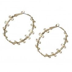 Show off your inner diva with these gorgeous gold swirl hoops, a perfect accessory for any wardrobe!