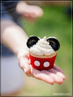 Baby Mickey Mouse, Pastel Mickey Mouse Niño, Fiesta Mickey Mouse, Mickey Mouse Cupcakes, Mickey Mouse Clubhouse Party, Mickey Cakes, Mickey First Birthday, Mickey 1st Birthdays, Mickey Mouse Birthday Decorations