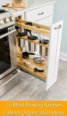 15 Mind-Blowing Kitchen Cabinet Organization Ideas {114} #hidden #storage #hiddenstorage An organized kitchen definitely makes your mind more at peace. My 15 mind-blowing cabinet organization ideas will help you create the kitchen of your dreams Small Kitchen Organization, Small Kitchen Storage, Smart Kitchen, Organized Kitchen, Organization Ideas, Extra Storage, Kitchen Drawers, Hidden Storage, Storage Ideas