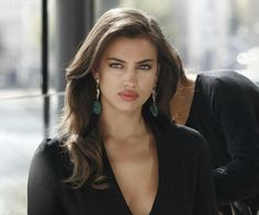 The real reasons Bradley Cooper and Irina Shayk broke up – Celebrities Woman Irina Shayk, Russian Models, Bradley Cooper, Hollywood Actresses, Pretty Face, Pretty Woman, Beauty Women, Beautiful People, Short Hair Styles