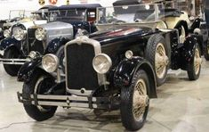 1927 Stutz Roadster - Tupelo Automobile Museum
