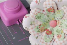 We R Memory Keepers Flower Punch Board Diy Paper, Paper Crafting, Flower Punch Board, Envelope Punch Board Projects, Sizzix Dies, Craft Projects, Craft Ideas, We R Memory Keepers, Board Ideas