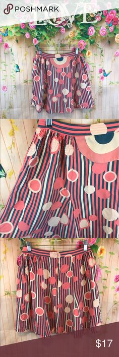 """Marc Jacobs skirt Supper cute circle print skirt has small flaw see photos not noticeable much 18"""" long Marc Jacobs Skirts Mini"""