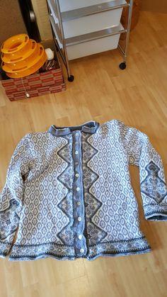 Sweaters, Men, Fashion, Moda, Fashion Styles, Sweater, Guys, Fashion Illustrations, Sweatshirts