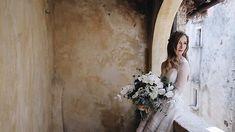 Jessica a few minutes before the ceremony  . . . #weddingday #weddinginabruzzo #junebugweddings #flowerbouquet #weddingbouquet #bridetobe2018 #folkbride #weddingfilm #weddingvideo #weddingvideographers #weddingvideographerinitaly #bridevibes #waiting #santostefanodisessanio #sextantio #abruzzo #italy #igersabruzzo #pinit #followme #2become1video
