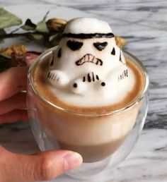 Awesome 3D latte art gif..