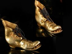 This brooch dates in the late 1800s and it is a miniature of a victorian shoe with the hole in the sole and the front part lifted up to expose the toes. A poor mans shoe, so to say. What is unique besides the fact it is well over 120 years old, is that it was not common to have miniatures of things like this in jewelry. You mostly found items that were sweet momentos of things or creatures. This one would be so cool at a wedding as the grooms boutineer.. It still has its original laces as…