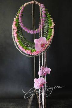 Modern Flower Arrangements, Flower Festival, Church Flowers, Flowers For You, Floral Artwork, Japanese Flowers, Hanging Flowers, Floral Bags, Arte Floral