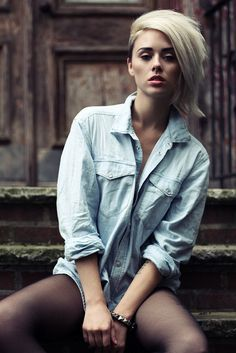 can't beat a great chambray.  love the stylish hair!!