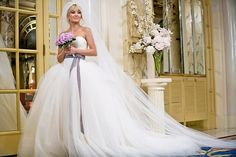 """Kate Hudson in """"Bride Wars"""", 2009. She's wearing a Vera Wang wedding dress. I love the sash, and I love that it could be any colour the bride wants."""