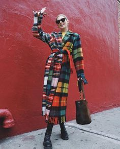 Elsa's clothes and outfits. Find out where to buy the exact clothes Elsa Hosk wore. Winter Fashion Outfits, Winter Outfits, Autumn Fashion, Retro Outfits, Cute Casual Outfits, Gucci Princetown, Diy Fashion Hacks, Looks Street Style, Girl Fashion