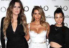 7-Nov-2013 8:47 - KARDASHIANS WERKEN AAN KINDERKLEDINGLIJN. De zusjes Kardashian denken alweer na over een volgende stap in de modewereld. Kourtney, Kim en Khloé Kardashian werken nu ook aan een...