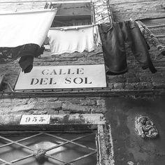 #iphonephotography #streetphotography #igfriends_veneto #igfriends_italy #igcapturesclub #gf_italy #euro_shot #igersvenice #igersveneto #igersvenezia #ig_veneto #ig_venezia #ig_venice #veneziaautentica #veneziaunica #venezia #venice #veneto #loves_venezia #loves_united_venice #loves_veneto #loves_venice #b #bnw #biancoenero #blackandwhitephotography #blackandwhite #bnw_life by 85principessa