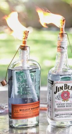 DIY Tiki Torch Bottles                                                                                                                                                      Más