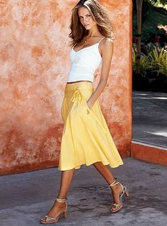 Short Legs – of course short skirts visually lengthen the legs, however if you choose the wrong style may achieve exactly the opposite effect. Mid-calf skirts with high heels also look gorgeous plus if you put the accent on the waistline   (belts, different decorations) the attention would be drawn away from the legs.