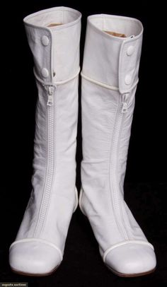 PAIR WHITE COURREGES BOOTS, MID 1960s