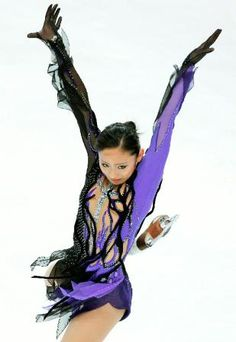 Miki Ando(JAPAN) 2009...THAT DRESS IS JUST BEAUTIFUL!!!!!!!!!!!!!!!!!!!