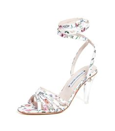 15ec355da67 24 of the Prettiest Shoes We ve Seen This Year · Date Night FashionLeandra  MedinePretty ...