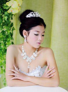 JESMING® Bridal Silver-Tone Art Deco Flower Necklace Earrings Clear Austrian Crystal