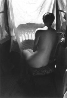 Deena de dos, 1955 - Willy Ronis This is one of my favorites by Willy Ronis