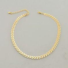 Collier ras de cou Intemporel, tendance et chic, ce collier ras de cou peut s'associer au bracelet de la collection Chic bijoux pour un look complet ! Chic Bijoux, la boutique de bijoux fanta…
