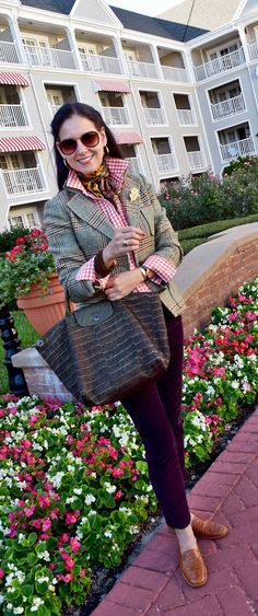 Over 40 Styleblazer Susana of A Key To The Armoire mixes patterns like a pro.