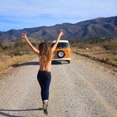 Vivre dans un van aménage, voyager toute l'année, ... Pour certains, c'est le quotidien. Ces 5 comptes Instagram vont vous prouver que parcourir le monde en van est possible. Grande dose d'inspiration !