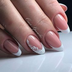 False nails have the advantage of offering a manicure worthy of the most advanced backstage and to hold longer than a simple nail polish. The problem is how to remove them without damaging your nails. French Nails, Shellac French Manicure, French Pedicure, Wedding Manicure, Wedding Nails Design, French Nail Designs, Cute Nail Designs, Cute Nails, My Nails