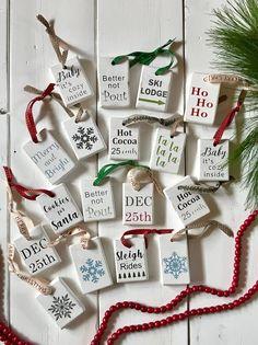 Clay Christmas Decorations, Farmhouse Christmas Ornaments, Christmas Wood Crafts, Christmas Signs Wood, Christmas Minis, Wood Ornaments, Dollar Tree Christmas, Diy Christmas Ornaments, Rustic Christmas